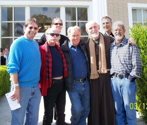 Mike, Jeff, Kate (back row), Martin Sheen, Louie, Steve (back row), Dennis